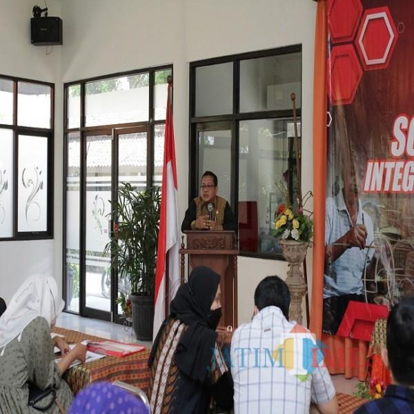 Sonny T. Danaparamita (Anggota Komisi VI DPR RI Fraksi PDI Perjuangan) saat melakukan sosialisasi Program UMi di Hotel Tanjungasri Banyuwangi (Istimewa)