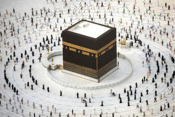Ilustrasi pelaksanaan ibadah haji dengan protokol kesehatan pencegahan covid-19. (Foto: APH/HO/Saudi Ministry Of Media).