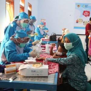 Deteksi Dini Penyakit Tidak Menular, Bunda Fey Ajak Warga Usia Produktif Datang ke Posbindu