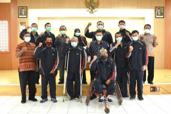 Wali Kota Kediri Abdullah Abu Bakar memberikan apresiasi yang tidak terhingga kepada seluruh atlet NPC Kota Kediri. (Foto: Ist)
