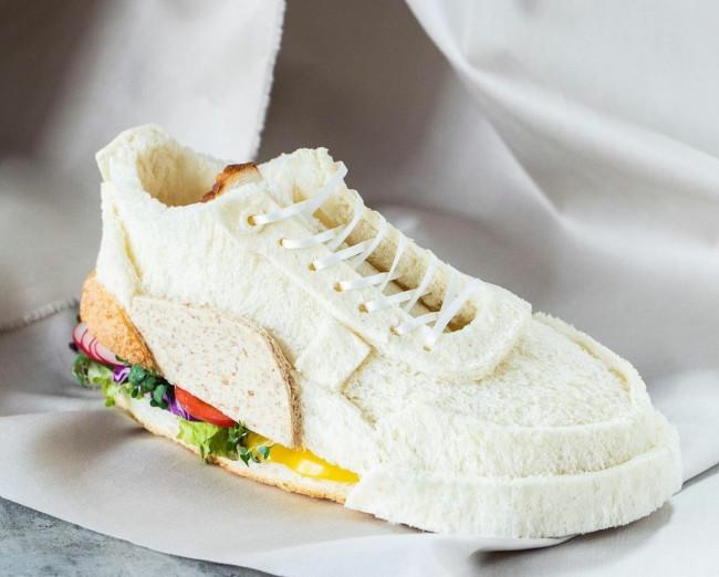 Kreasi roti berbentuk sepatu. (Foto: Instagram @sasamana1204).