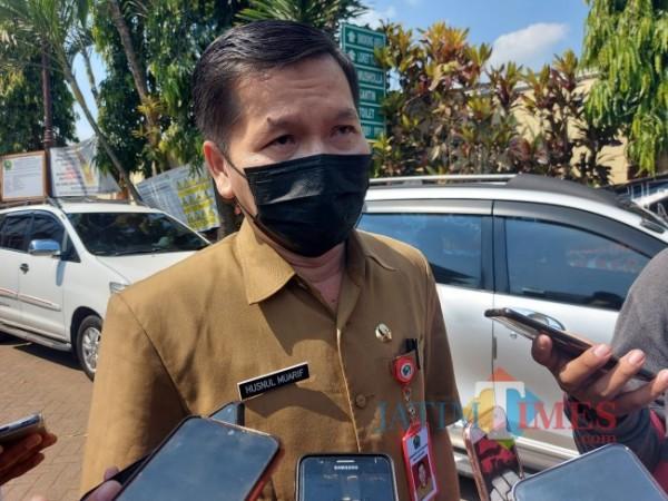 Kepala Dinas Kesehatan Kota Malang dr Husnul Muarif saat ditemui MalangTIMES.com di Kejaksaan Negeri Kota Malang, Senin (7/6/2021). (Foto: Tubagus Achmad/MalangTIMES)