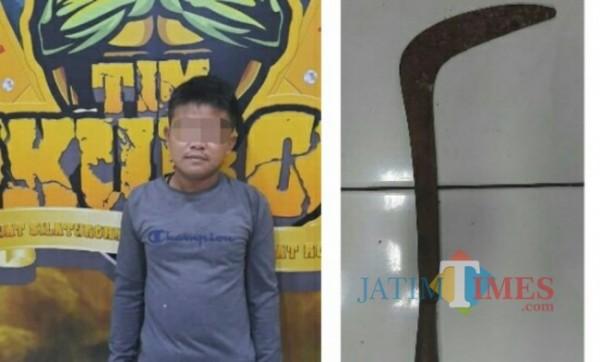 Pelaku E dan senjata yang digunakan melukai istrinya (Foto : Polres Lumajang / JatimTIMES)