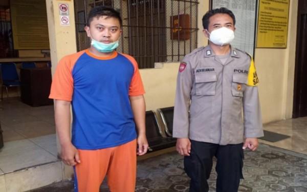 Perawat RSUD Jombang Doni Deadi Subaktiar (31), saat diamankan di Mapolres Jombang. (Istimewa)