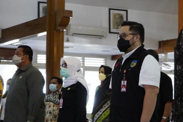 Bupati Kediri Hanindhito Himawan Pramana (kanan). (Foto: Ist)