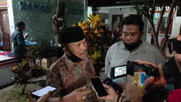 Martin Alamsyah, pedagang Pasar Baru Kencong. (Foto:  Hima/JatimTIMES)