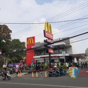 2 Jam Rilis Langsung Ludes, Pemburu BTS Meal yang Gagal Order di Kota Malang Ngaku Kecewa!