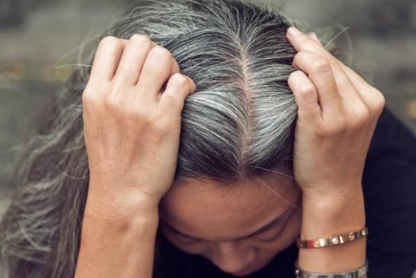 Ilustrasi seseorang yang berambut uban. (Shutterstock)