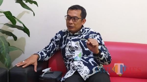 Kepala BPJS-Ketenagakerjaan Cabang Malang, Imam Santoso saat berkunjung ke kantor MalangTIMES (Foto: Yogi Iqbal/MalangTIMES)