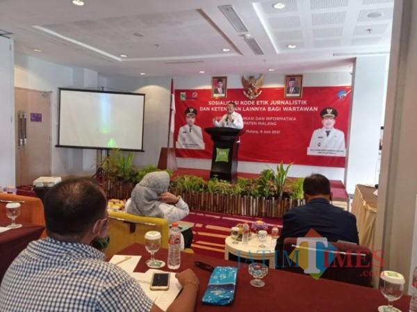 Wakil Bupati Malang, Didik Gatot Subroto saat membuka sosialisasi KEJ (foto: Hendra Saputra/MalangTIMES)