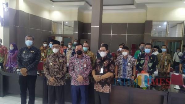 Saat Bupati Salwa menyambut KASN (Foto: Abror Rosi/ JatimTIMES)