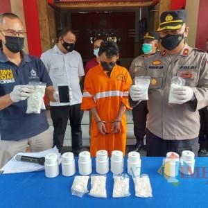 Polisi Ringkus Pengedar Pil Koplo di Kota Malang, Amankan 8 Ribu Butir