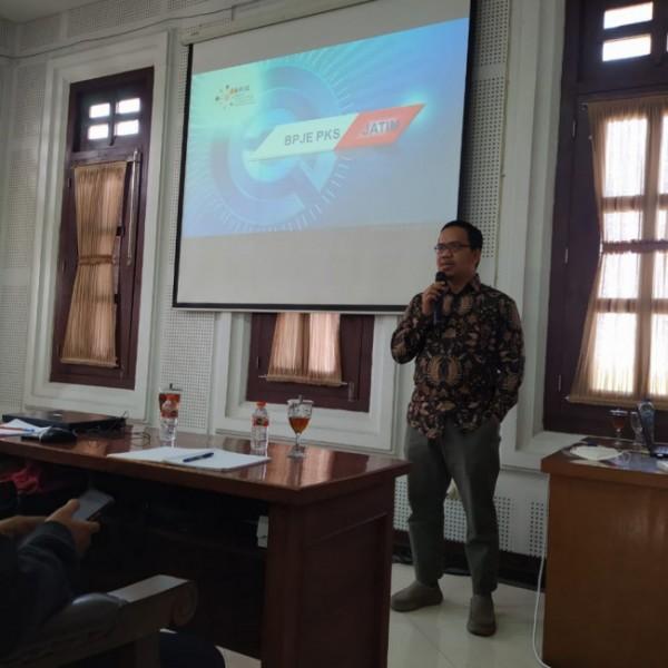 Anggota DPRD Kota Malang dari Fraksi PKS Bayu Rekso Aji saat memberikan sambutan dalam pembukaan pelatihan digital marketing di gedung DPRD Kota Malang, Sabtu (12/6/2021). (Foto: Istimewa)