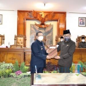 Semua Fraksi DPRD Tulungagung Setujui 2 Ranperda Ditetapkan Jadi Perda