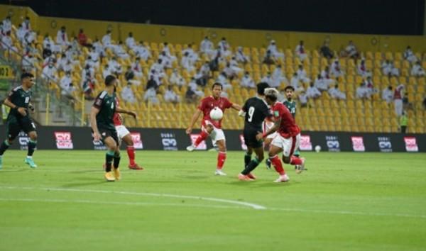 Timnas Indonesia melawan Uni Emirat Arab (UEA) di Stadion Zabeel, Dubai, Jumat (11/6/2021) kemarin.(foto istimewa)