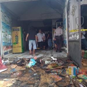 Toko Kelontong di Malang Terbakar, Pemilik Toko Terjebak hingga Berhasil Diselamatkan