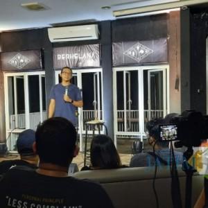 Sajikan Materi Segar, Komika Dzawin Nur Gelar Tur Berkelana di Kota Malang