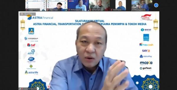 """Suparno Djasmin, Director-In-Charge Astra Financial, Transportation & Logistic, menyapa pimpinan dan tokoh media saat pembukaan acara """"Silaturahim Virtual Bersama Pemimpin dan Tokoh Media"""""""