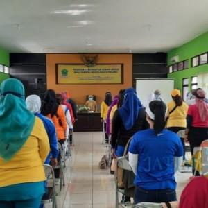 Dinsos-P3AP2KB Kota Malang Gelar Pelatihan Instruktur Senam Lansia Bagi Karang Werdha