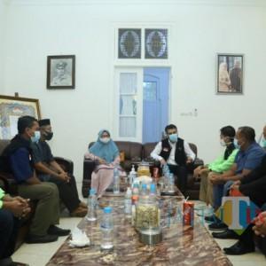 Wakil Bupati Lumajang Serahkan Donasi dari Warga Untuk Palestina