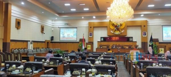 Rapat Paripurna DPRD Banyuwangi dengan agenda Penyampaian Nota Penjelasan Bupati Banyuwangi  atas diajukannya Raperda LKPJ pelaksnaan APBD TA 2020 (Nurhadi Banyuwangi/ JatimTIMES)