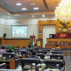 Bupati Banyuwangi Sampaikan Nota Penjelasan Raperda Pertanggungjawaban Pelaksanaan APBD Tahun 2020