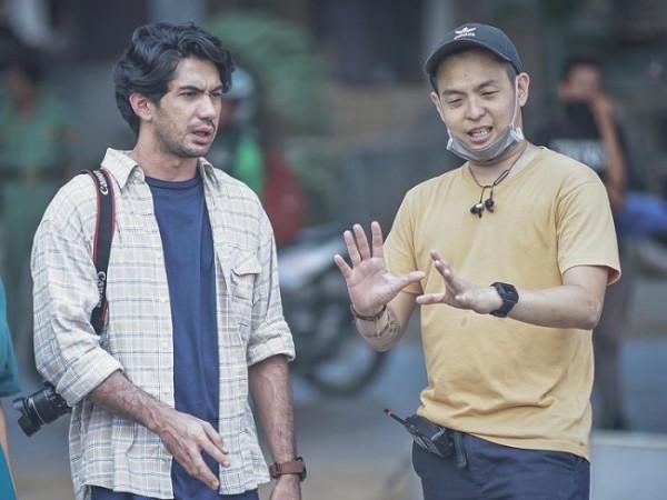 Ernest Prakasa (kanan) saat bersama Reza Rahardian. (Foto: instagram @ernestprakasa)