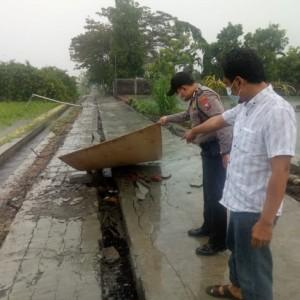 Bermain Hujan-hujanan,Bocah 10 Tahun di Blitar Tewas Tertimpa Tembok