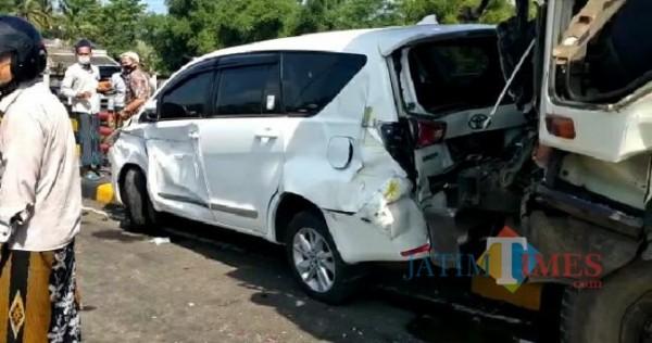Kecelakaan beruntun di Grobogan Kecamatan Kedungjajang Lumajang (Foto : Netizen / JatimTIMES)
