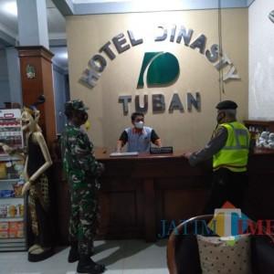 Pastikan Prokes, TNI-Polri Jenu Patroli di Hotel dan Penginapan
