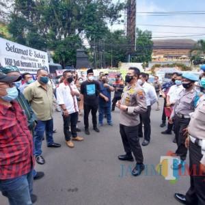 Puluhan Aktivis Datangi Mapolresta Malang Kota, Dorong Usut Tuntas Pelaku Penganiayaan Karyawan The Nine House