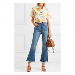 Tips Kenakan Cropped Flare Jeans, Stylish dan Kekinian