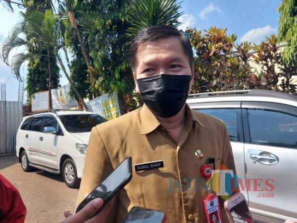 Kepala Dinas Kesehatan Kota Malang dr Husnul Muarif ketika ditemui awak media beberapa waktu lalu. (Foto: Tubagus Achmad/MalangTIMES)
