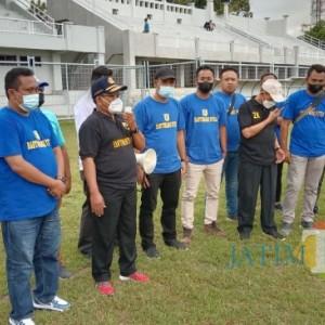 Pak Dhe Girah: Jangan Mencari Hidup dalam Sepakbola