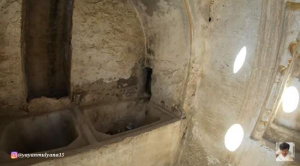 Kamar mandi di era sahabat Rasul (Foto: YouTube Alman Mulyana)