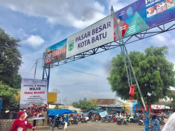 Pasar Besar Kota Batu. (Foto: Irsya Richa/ MalangTIMES)