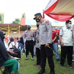 Masyarakat Kabupaten Kediri Antusias Ikuti Vaksin di Polres Kediri