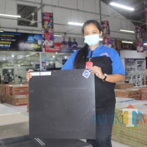 Manjakan Customer Setia, Granito Polish di Graha Bangunan Beli 5 Gratis 1