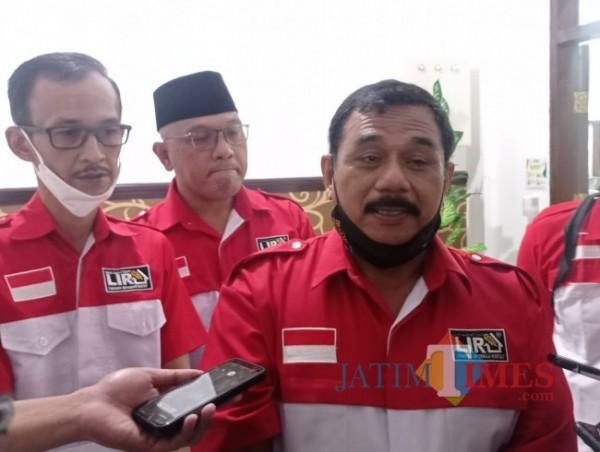 Ketua DPD LIRA Malang Raya, M Zuhdy Achmadi (kanan) (foto: Hendra Saputra/MalangTIMES)