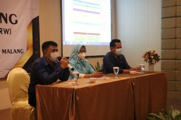 Pembukaan inhouse training NRW Dasar bagi karyawan dan karyawati Perumda Air Minum Tugu Tirta Kota Malang di D'Boutique Hotel, Senin (28/6/21). (Humas Tugu Tirta)