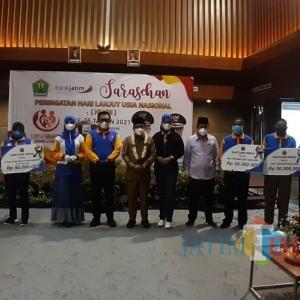 Peringatan Hari Lanjut Usia, Dinsos-P3AP2KB Kota Malang Gelar Sarasehan dan Bagi Alat Kesehatan
