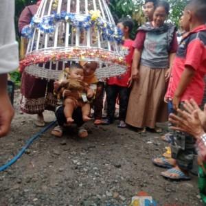 Tradisi Tedak Siten Tetap Terjaga di Ngawi