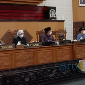 Kehadiran Perdana Bupati-Wakil Bupati Banyuwangi di Paripurna Dewan Disambut Aksi Walk Out Fraksi PKB