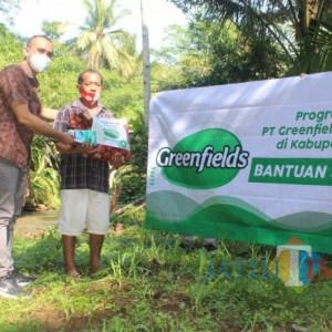 Berbagi di Tengah Gempuran Pandemi, PT Greenfields Salurkan Bantuan Sembako Bagi Warga Blitar