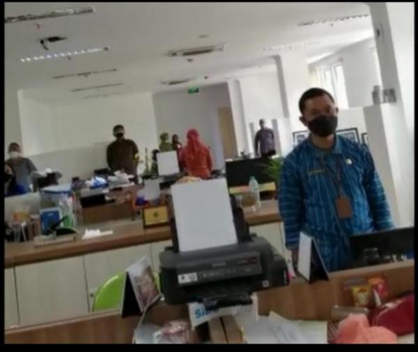 ASN Pemkot Malang saat mendengarkan lagu kebangsaan Indonesia Raya, Kamis (1/7/2021). (Foto: Istimewa).