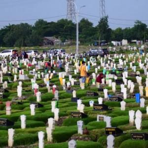Dewan Surabaya Minta Pemkot Tinjau Ulang Pemakaman Khusus Covid-19