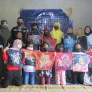 Menumbuhkan Jiwa Nasionalisme terhadap Anak Sekolah Dasar melalui Kreativitas Membatik di UMKM Batik Brilian Desa Bocek