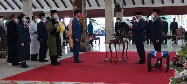 Pengambilan sumpah jabatan yang dilakukan Bupati Malang HM Sanusi kepada pejabat setingkat Sekda (foto: Humas Pemkab Malang for MalangTIMES)