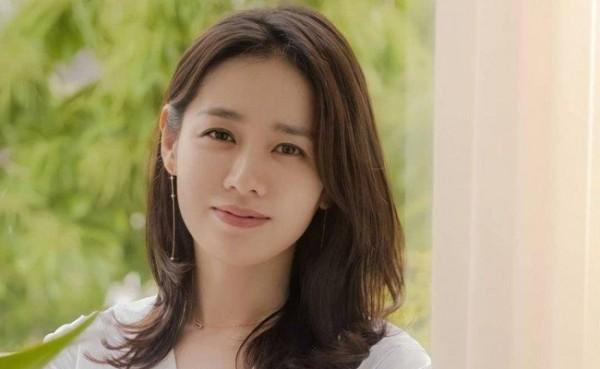 Son Ye-jin (Foto: Azka News)