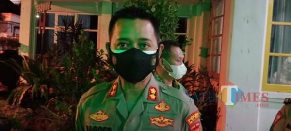 Kapolres Malang AKBP R. Bagoes Wibisono HK saat dijumpai di Peringgitan Pendapa Kabupaten Malang. (foto: Hendra Saputra/MalangTIMES)